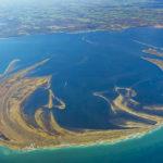 野付半島は、消滅の危機に瀕する国内最大の砂嘴