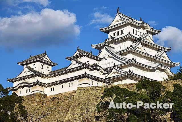 平成の修理を終えた姫路城